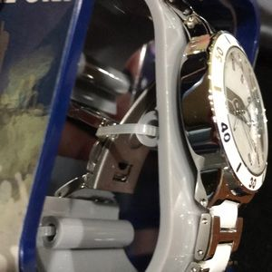 Game Time Accessories - NFL Seattle Seahawks Women's Mother Of Pearl Watch